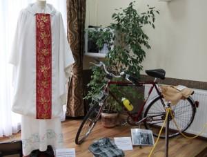 rower, którym mnie woził i ornat otrzymany od_parafian z Pieńska