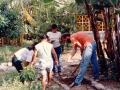 Wspólna praca ogrodowa z młodzieżą z duszpasterstwa